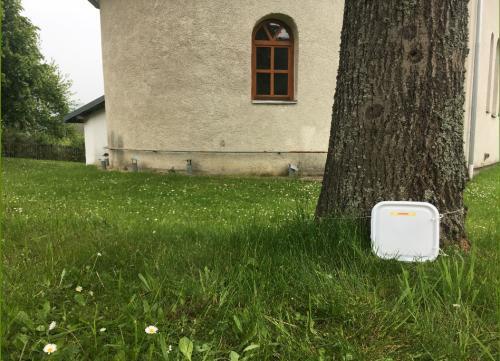 Krabička s trezorom za cerkvou