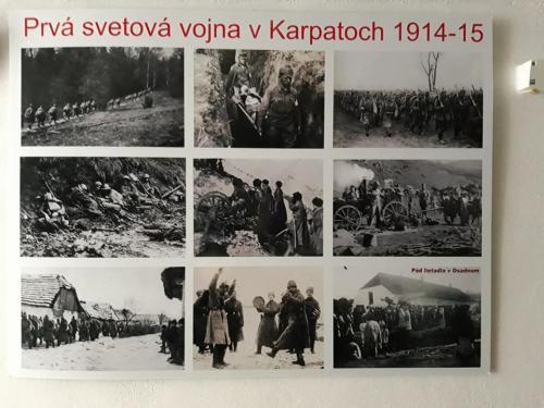 Tabuľa s dobovými fotografiami z I. svetovej vojny.