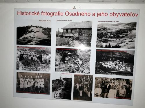 Tabuľa s fotografiami obce Osadné a jej obyvateľov.