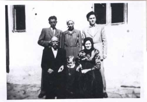 1952. Osadsania - rod. Mikulatková