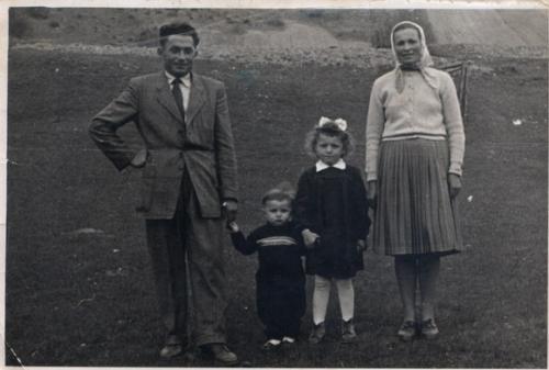 1957. Osadsania - rod. Mikulatková