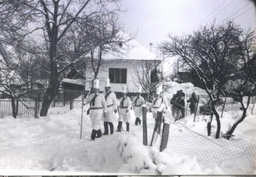 1986 Betlehemci v pozadí Olenoƒinov dom (II.)