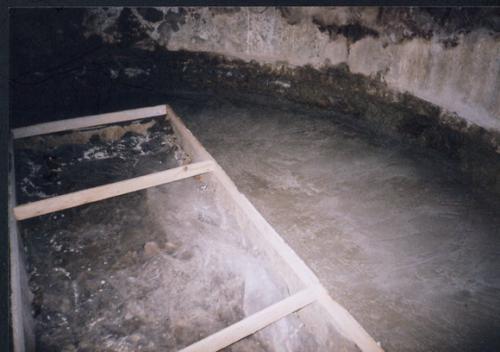 Zabetónovaná časť podlahy